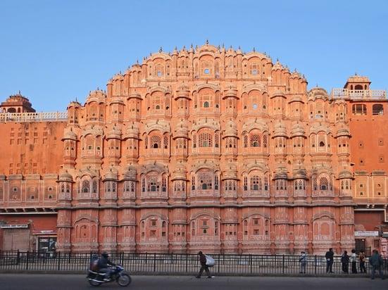 Le_Hawa_Mahal_(Jaipur)_(8486493475)